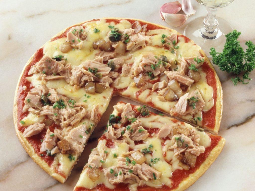 La pizza con pescado es muy típica en esta parte del mundo, Rusia y Alemania